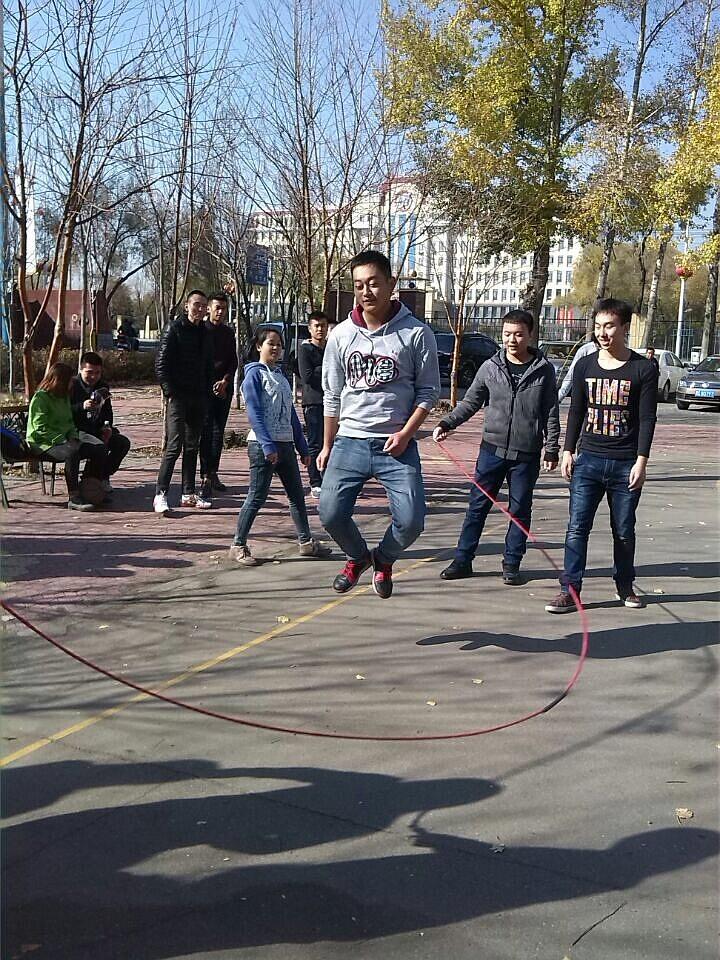 跳出青春活力 外语学院开展跳绳比赛 -_牡丹江大学