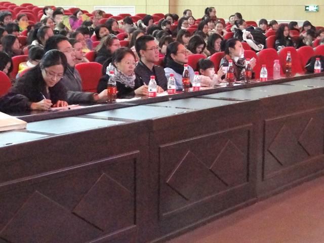 外语学院举办K歌大赛暨新生才艺展示活动 -_牡丹江大学